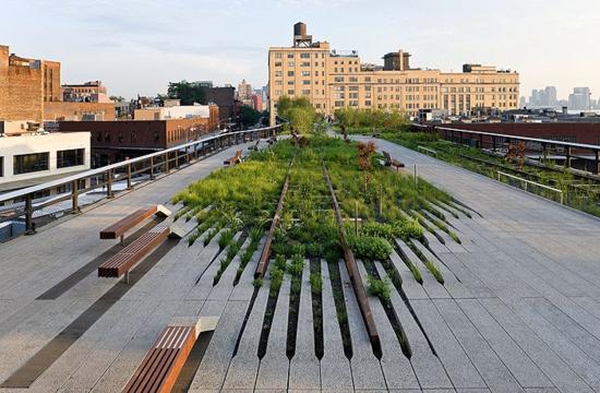 High Line. Un parque urbano en Nueva York en las antiguas vías de un tren ligero. Iwan Baan