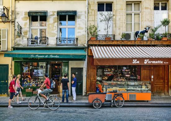Escena de París en bici.  Bruno De Hogues (Getty)